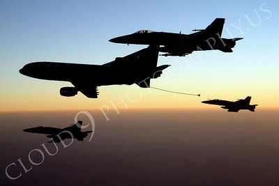 US Navy Boeing F-18 Hornet Aerial Refueling Pictures