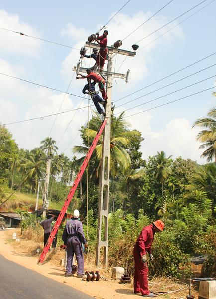 electrician workers.jpg