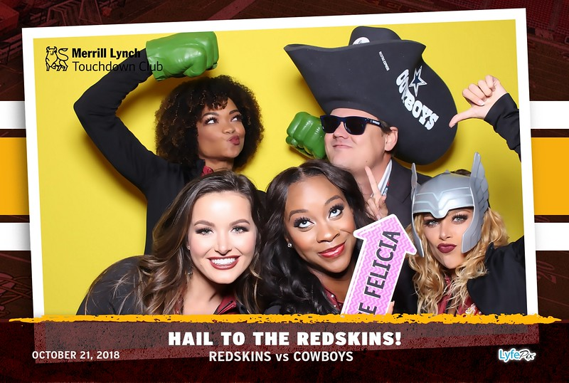 washington-redskins-dallas-cowboys-merrill-lynch-touchdown-club-photobooth-142018.jpg