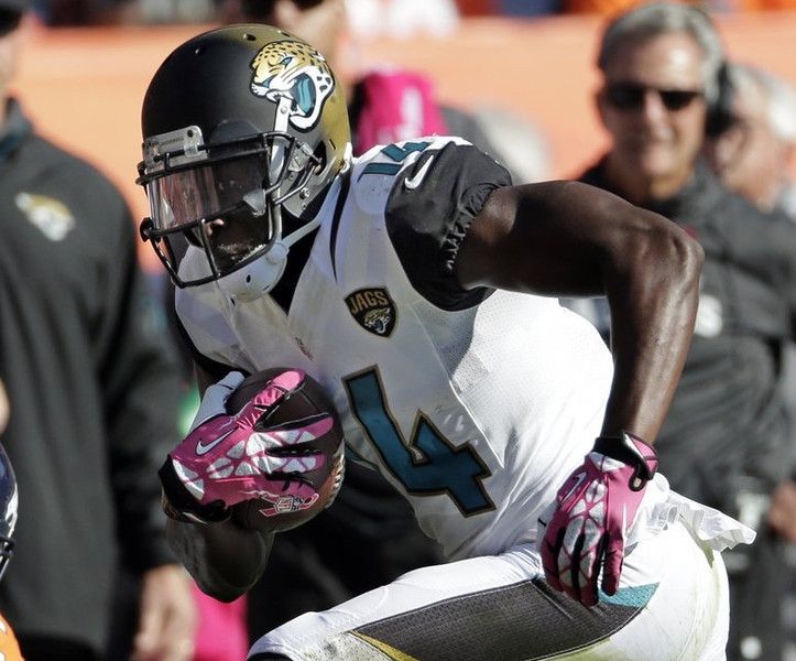 . <p><b> Jaguars at Titans (-12):</b> - <p>Jacksonville wideout Justin Blackmon was suspended for the rest of the season for his second violation of the league�s substance-abuse policy. On the bright side, he�ll likely be back in 2014, just in time for the Jaguars� next victory. <p>Pick: <b>Titans by 14</b> <p>    (AP Photo/Jack Dempsey, File)  <p><b>BYES</b><p> <p><b> Browns, Chiefs, Patriots, Jets </b>   <br> <p><b>RECORD</b> <p><b>Week 9:</b> Straight up 8-5, vs. spread 5-8 <p><b>Total:</b> Straight up 86-47, vs. spread 57-73-3   <br><p> Kevin Cusick talks fantasy football, and whatever else comes up, with Bob Sansevere and �The Superstar� Mike Morris on Thursdays on Sports Radio 105 The Ticket. Follow him at <a href=\'http://twitter.com/theloopnow\'>twitter.com/theloopnow</a>.