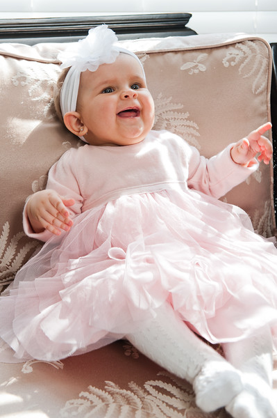 Lily at 6 months-4584.jpg