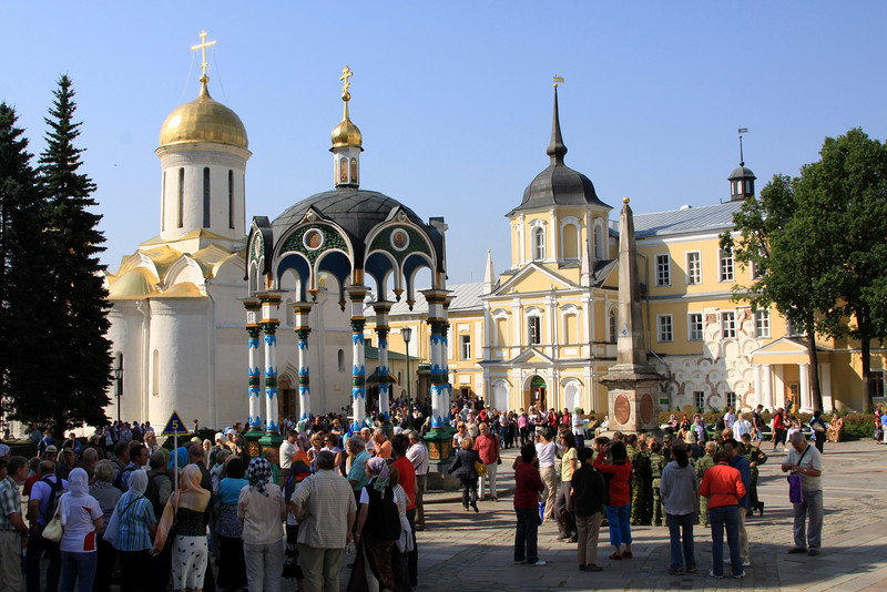 Trinity Monastery of St Sergius, Sergiev Posad - The central courtyard once the tour groups from Moscow arrive!