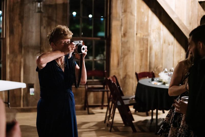rustic_ohio__fall_barn_wedding-479.jpg