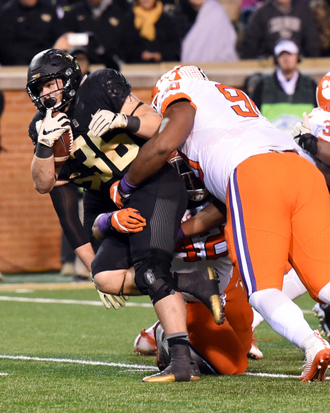 Cade Carney fights for yards.jpg