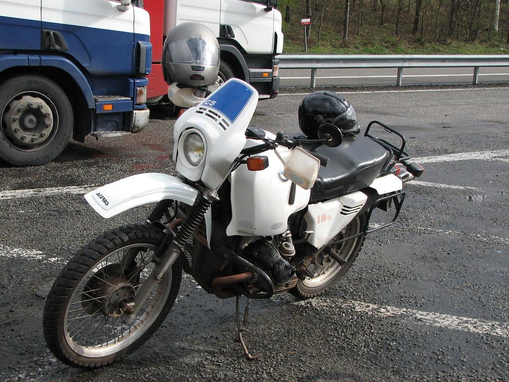Deze moto bracht d'n Baron probleemloos in Togo!