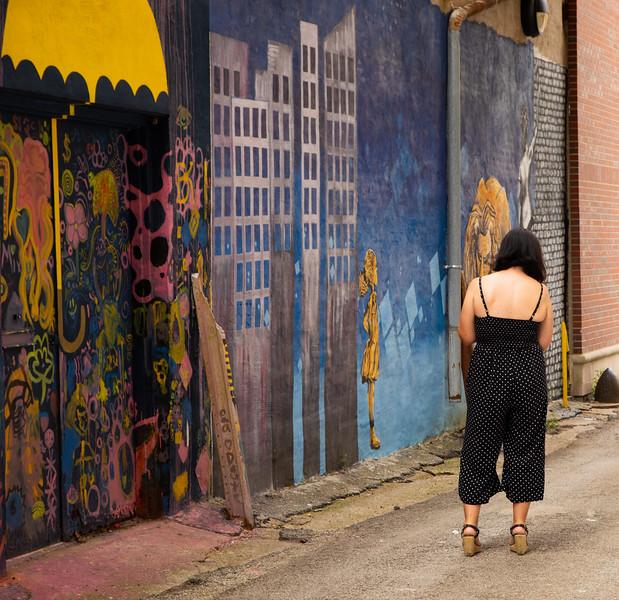 GrafittiWoman.jpg