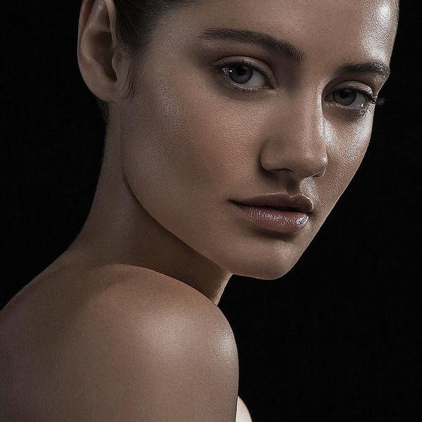 MakeUp-Artist-Aeriel-D_Andrea-Beauty-Creative-Space-Artists-Management-35-CONTEXT.jpg