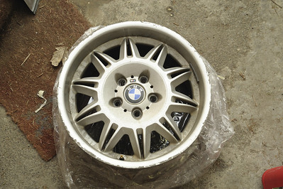 "M3 17x 8.5"" wheels"