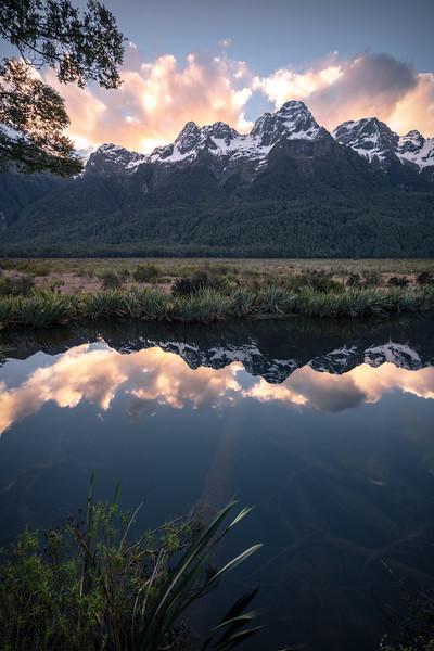 Into the Depth || Mirror Lakes