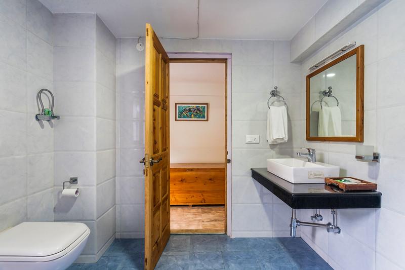 Level 3 - Bathroom, Saffronstays Chestnut Lodge