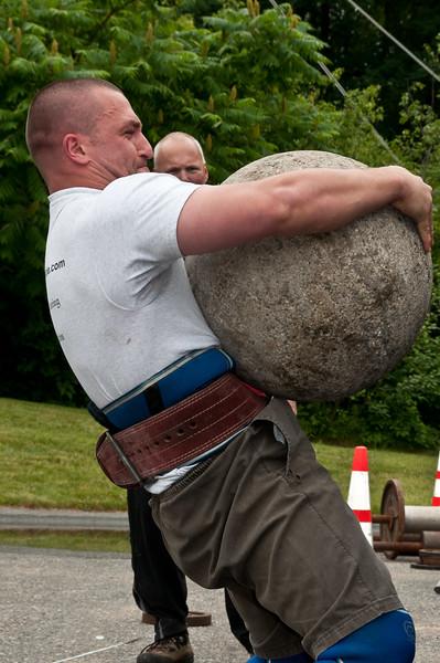 Fitness Revolution Strongman Challenge 2011_ERF4569.jpg