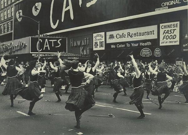 QB 1983 NYC Macys parade a.jpg