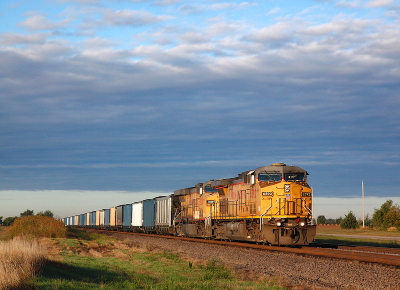 Union Pacific 6592 (GE AC4400CW) - Wood River, NE