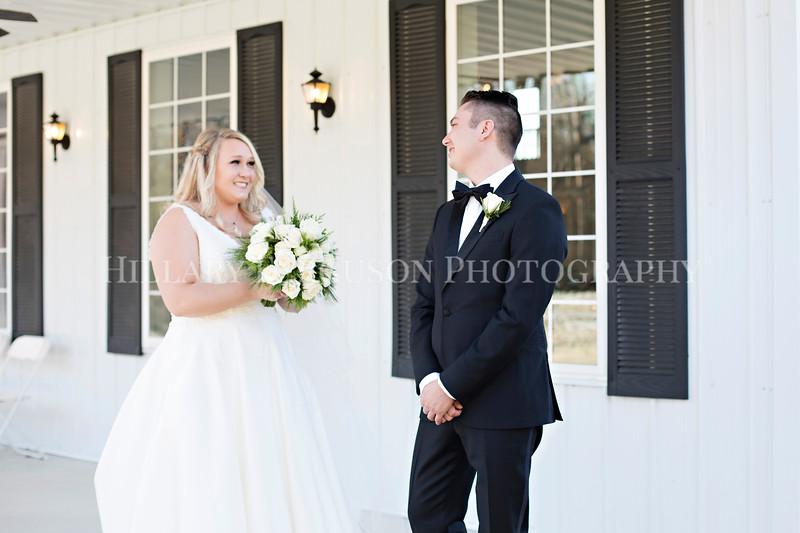 Hillary_Ferguson_Photography_Melinda+Derek_Getting_Ready369.jpg