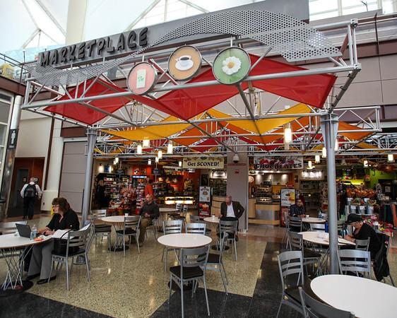 Marketplace, Jeppesen Terminal, East Side, Level 5