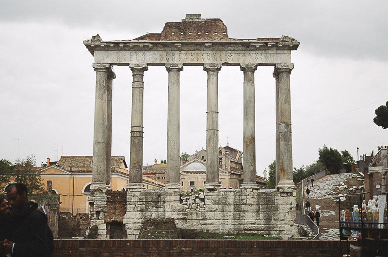Sunday_Foro_Temple_Columns