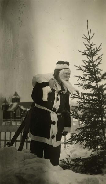 JB182.  Joey B. Burgum as Santa Claus – 1935‡‡.jpg