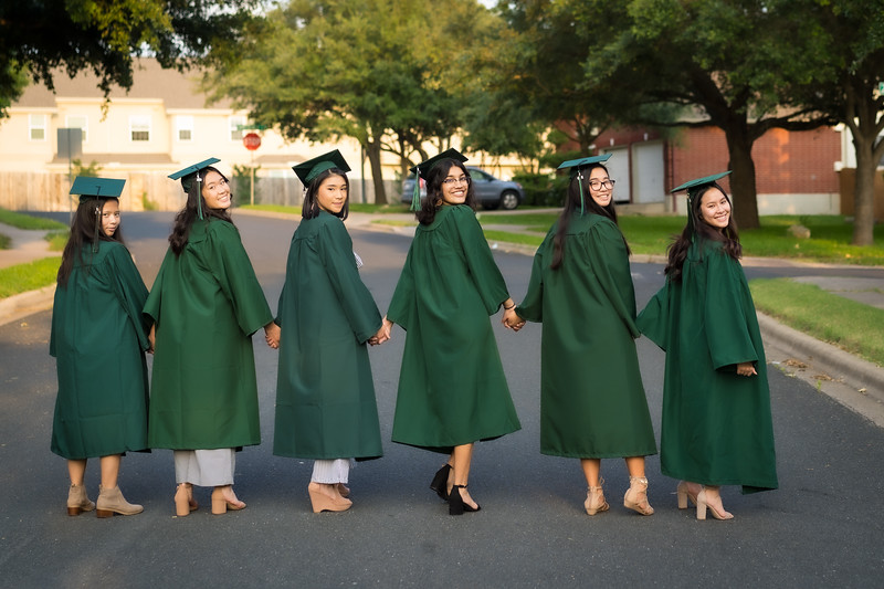 20200521_sarah-friends-connally-graduation_060.jpg