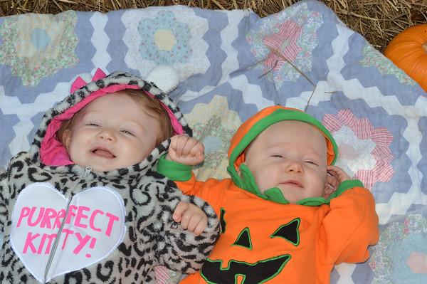 Ava & Mia's 1st Halloween 2016
