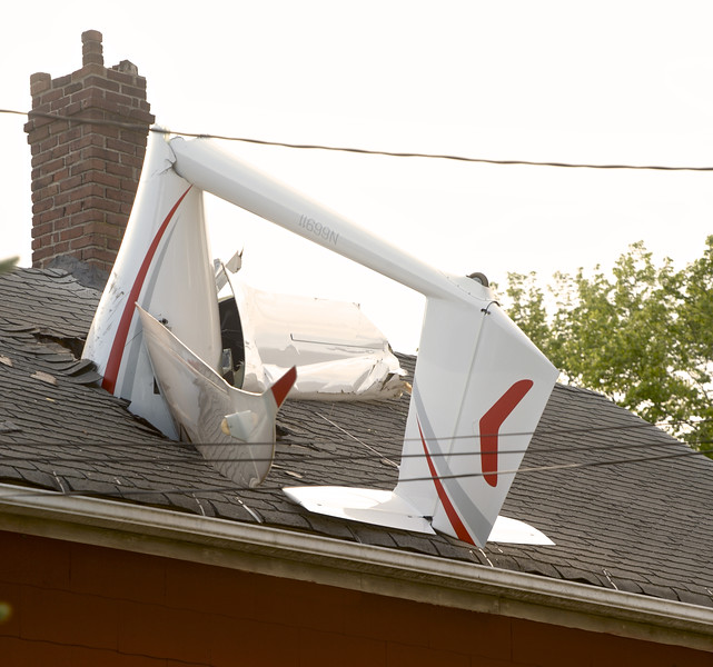 Glider Crashes Into House
