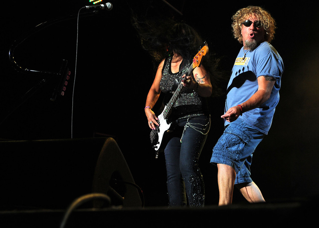 . Sammy Hagar performs as the wind whips bassist Mona Gnader\'s. (Pioneer Press: Sherri LaRose-Chiglo)