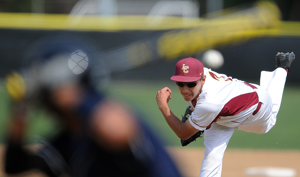 . La Canada starting pitcher Justin Lewis throws to California\'s Jesse Oropeza (C) in the second inning of a CIF-SS playoff baseball game at La Canada High School on Thursday, May 16, 2013 in La Canada, Calif. La Canada won 4-2.  (Keith Birmingham Pasadena Star-News)
