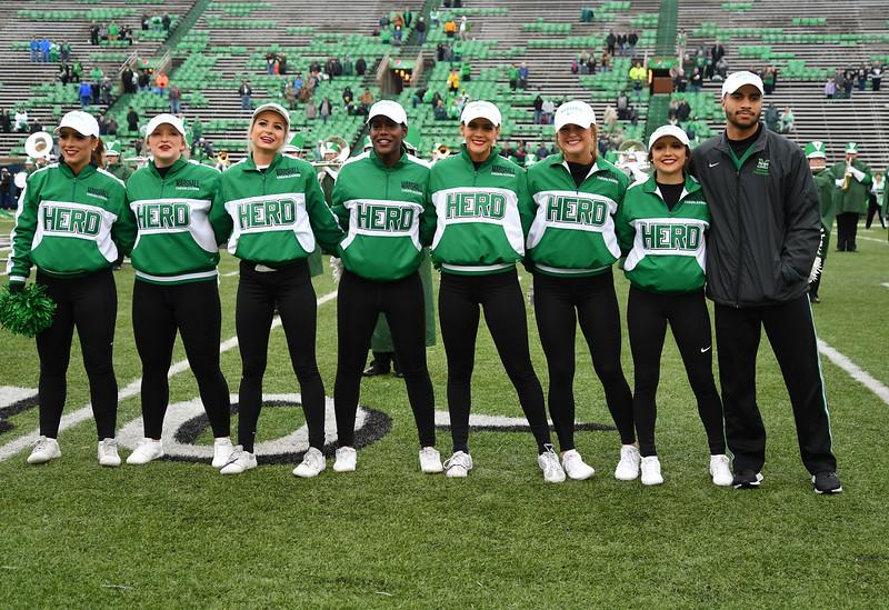 cheerleaders0109.jpg