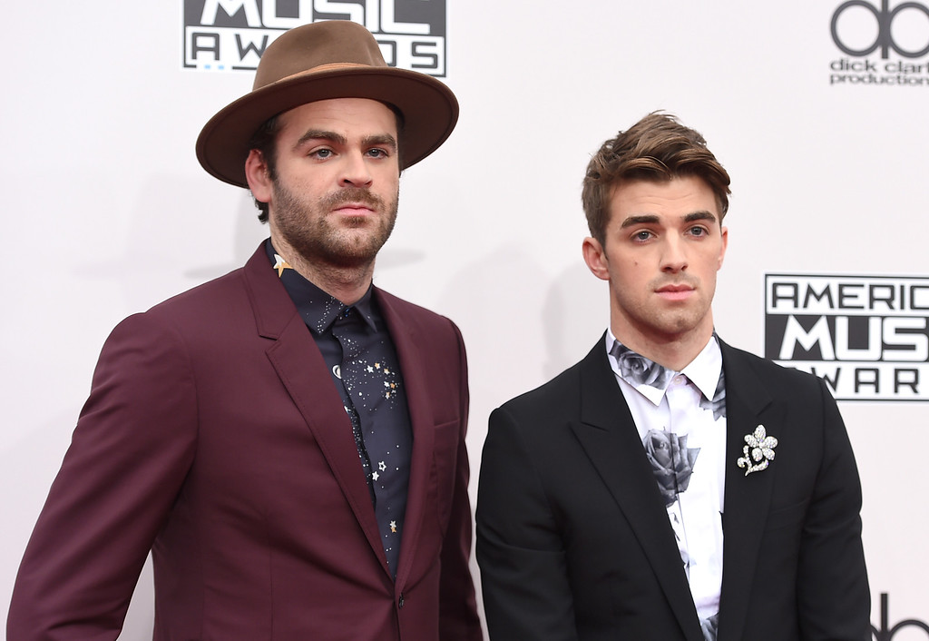 . Alex Pall, left, and Andrew Taggart, of The Chainsmokers, arrive at the American Music Awards at the Microsoft Theater on Sunday, Nov. 20, 2016, in Los Angeles. (Photo by Jordan Strauss/Invision/AP)