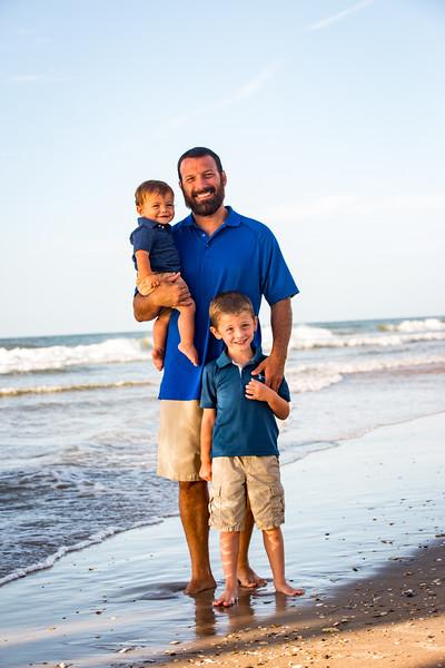 Family beach photos-94.jpg