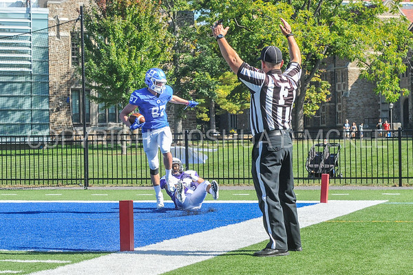 Football v Amherst 9-23-17