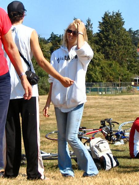 2005 Cadboro Bay Triathlon - img0126.jpg