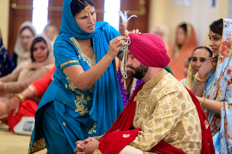 Neelam_and_Matt_Gurdwara_Wedding-1327.jpg