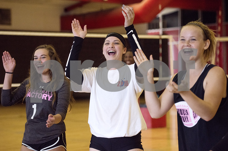 080117_Robert_E_Lee_Volleyball_Tryouts_Web_002
