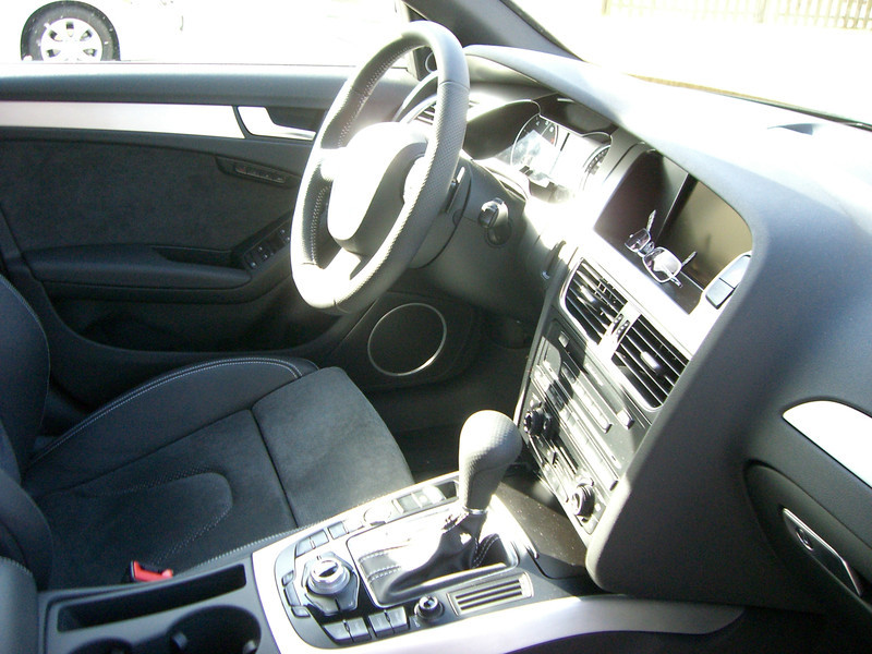 Audi A4 S-Line 8.jpg