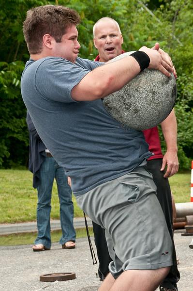 Fitness Revolution Strongman Challenge 2011_ERF4409.jpg