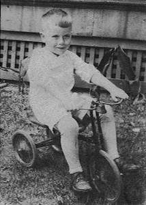 Dad 3yrs. 1929-705138756-O.jpg