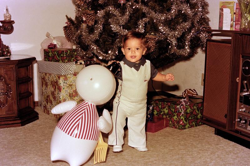 1975-12-25 #3 Anthony's 1st Christmas.jpg