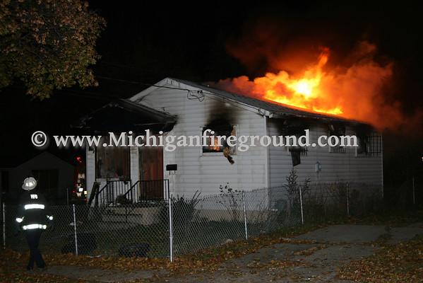 10/31/08 - Flint house fire, Alma & Fulton