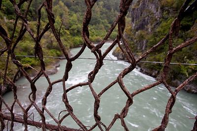 拉月籐网吊橋Tibet