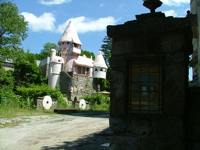 Gingerbread Castle & Fairy Tale Forest