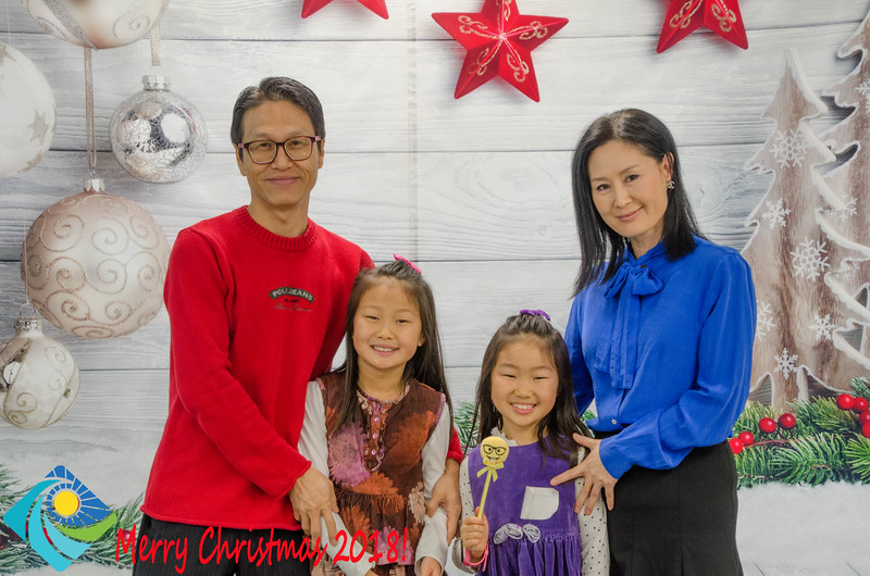 Christmas Photobooth 2018 Sunday-082.jpg