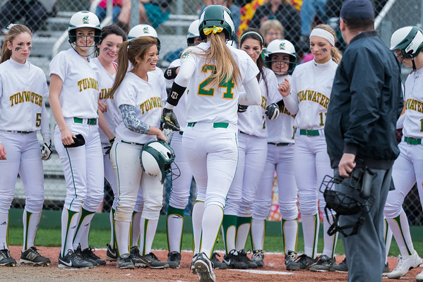 Tumwater HS v. Centralia HS Girls Softball