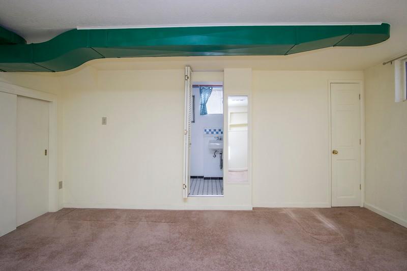 bas bedroom .jpg