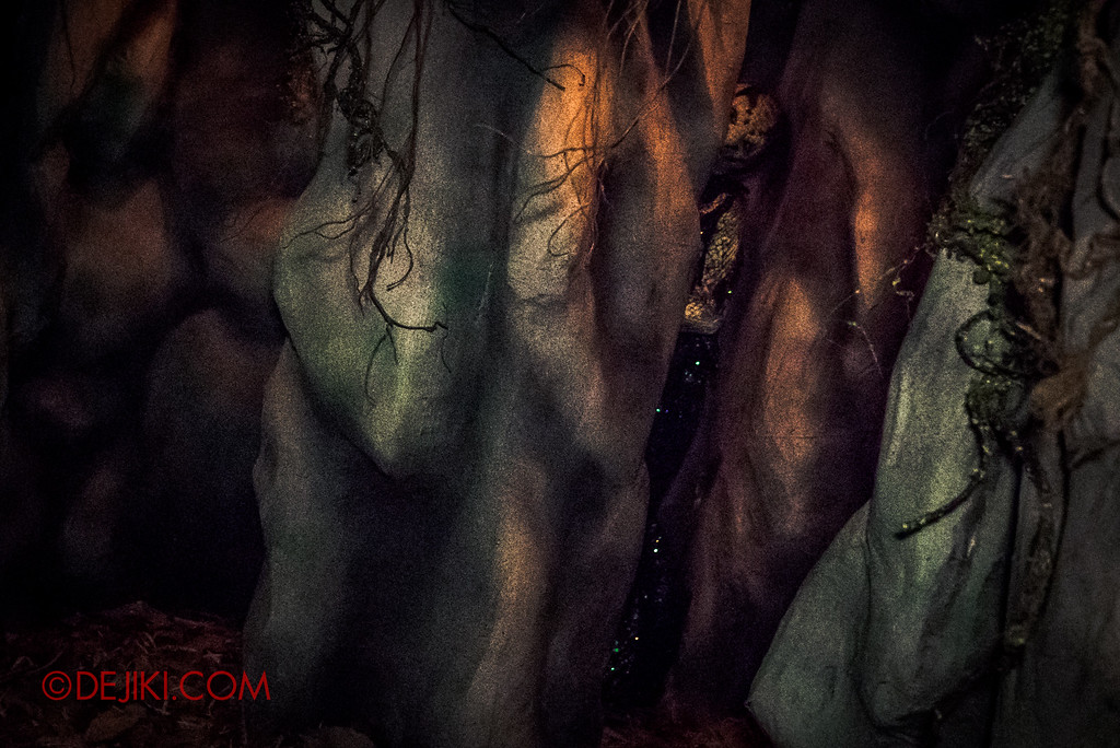 Halloween Horror Nights 6 - Hu Li's Inn / Catacombs