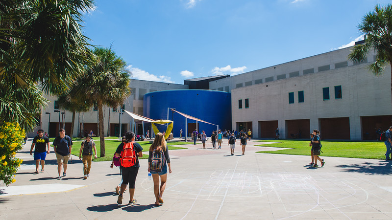 Students make their way through the Center for Instruction Courtyard