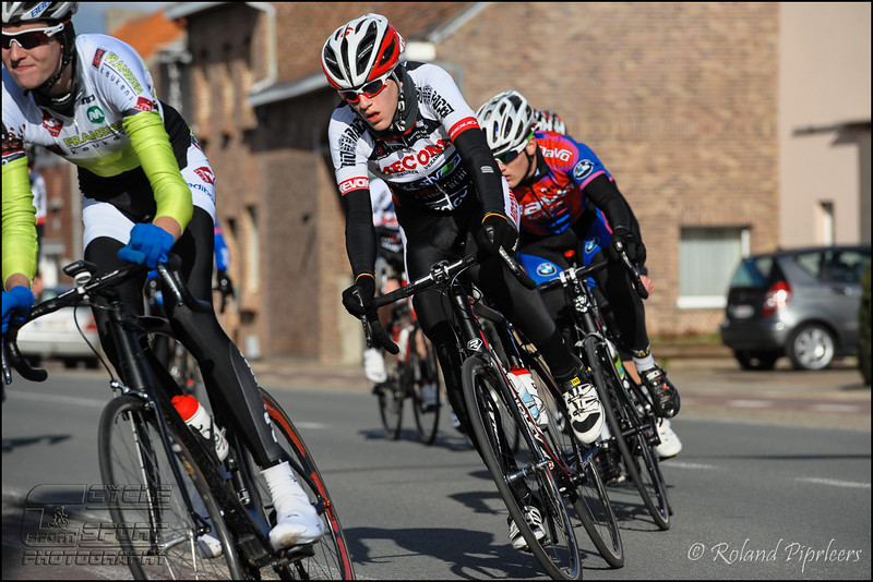 zepp-nl-jr-301.jpg