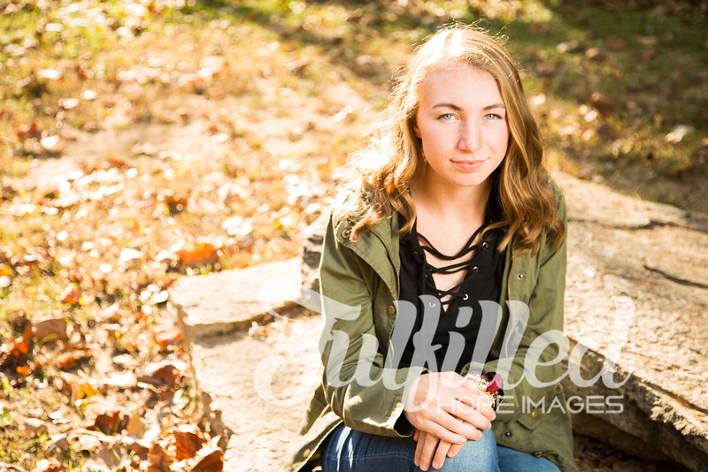 Libby Slinkard Senior Shoot 2016 (4).jpg