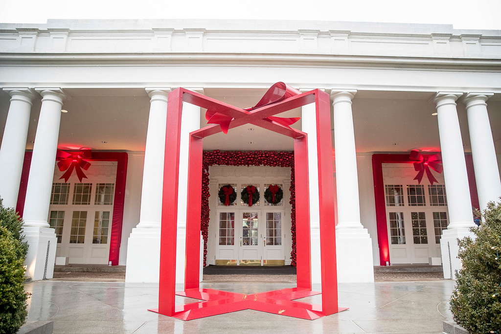 . A large ribbon is displayed outside the East Wing of the White House during a preview of the 2016 holiday decor at the White House, Tuesday, Nov. 29, 2016, in Washington. (AP Photo/Andrew Harnik)