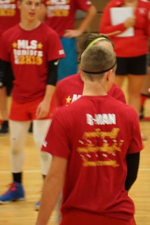Macho Volleyball