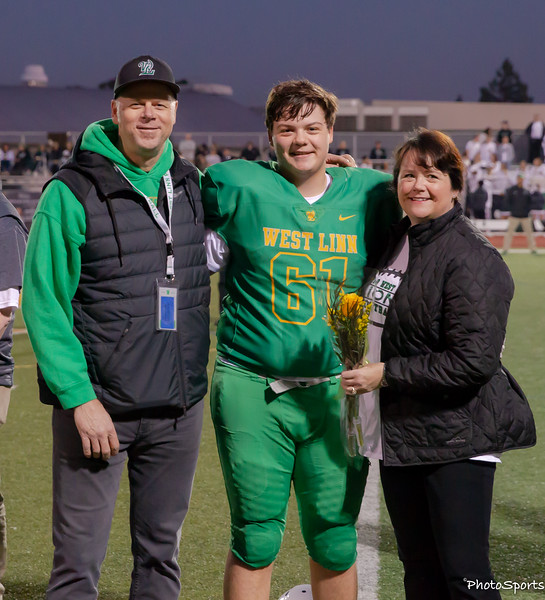 2018 West Linn Seniors-1510.jpg